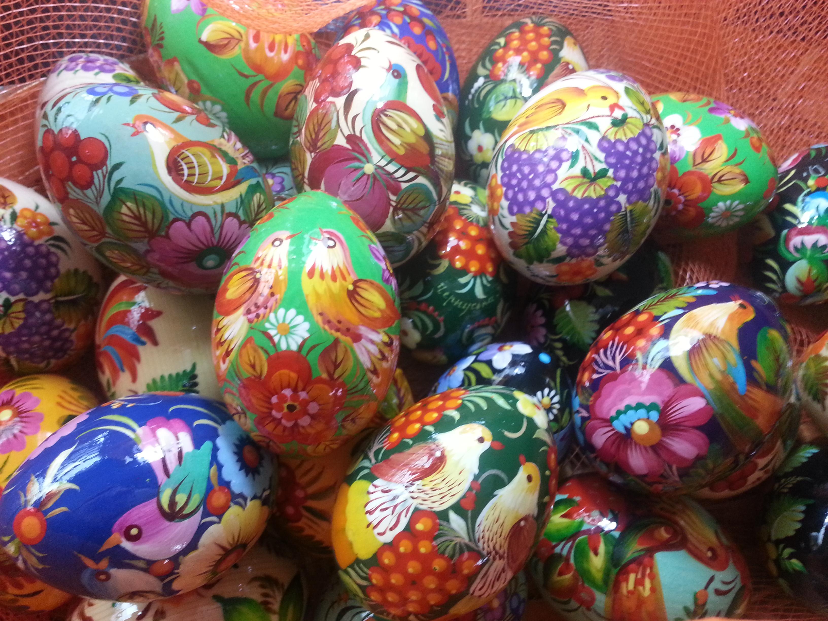 E 39 arrivato un carico di uova pasquali associazione - Uova di pasqua decorati a mano ...